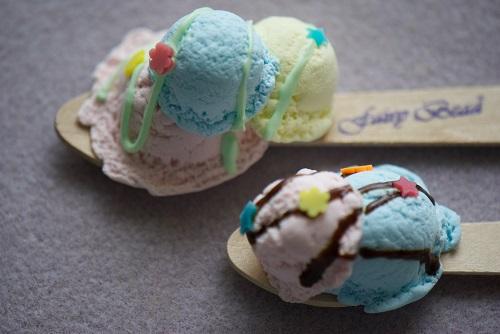 7_21アイスクリームブローチ