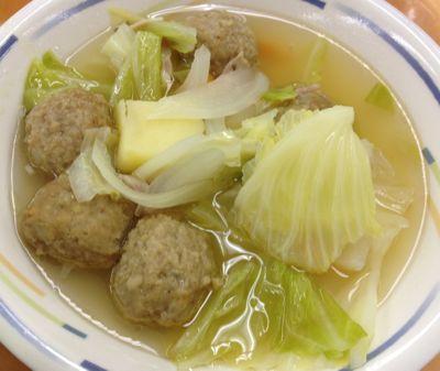 ミートボールとキャベツのスープ煮