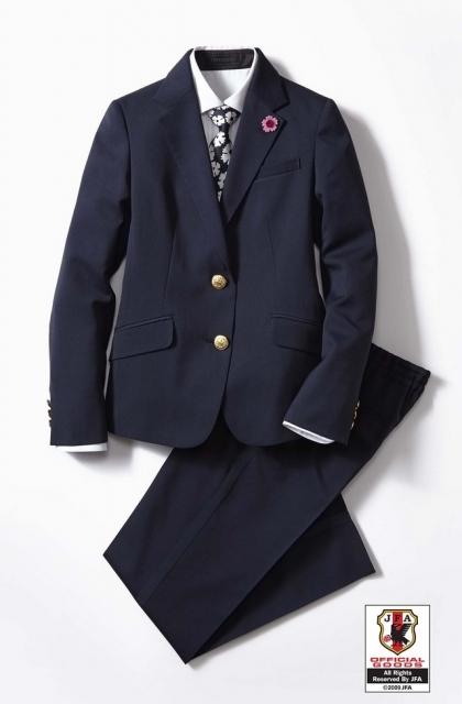 なでしこジャパン オフィシャルスーツ