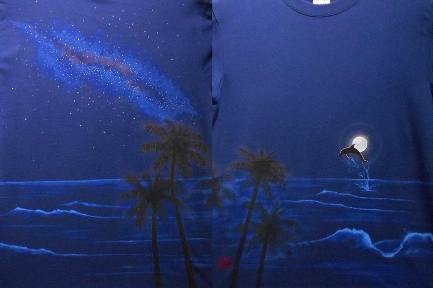 手描きTシャツ 月とイルカと星の海