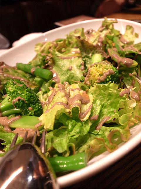 150307ビストロ熟肉-グリーンサラダ黒オリーブドレッシング
