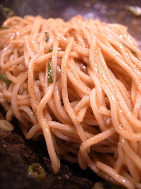 150606キング軒東京店-広島式汁なし担担麺 並盛3辛アップ