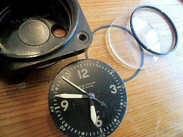 4-ケースから取り出した時計