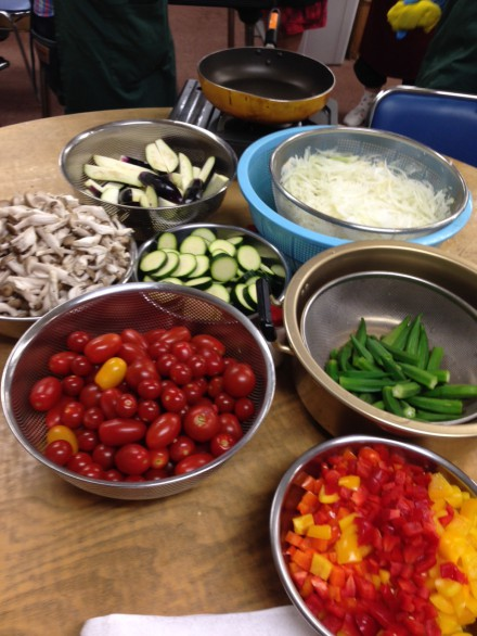 夏野菜カレーに使う野菜です。