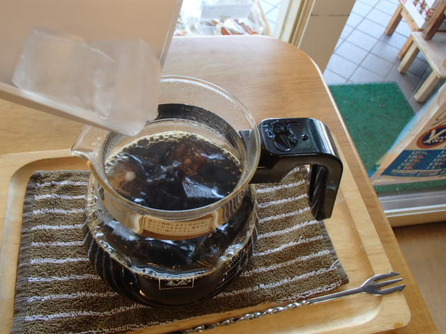 アイスコーヒーは作り置き派 (4)