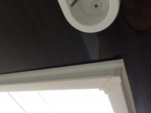 窓枠のコーキング修理後2