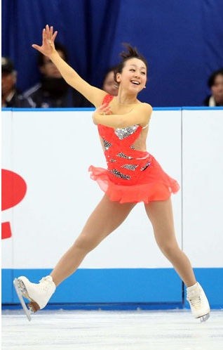 Mao-Asada-Figure-Skating-I-Got-Rhythm-Lori-Nicol-2012-2013-choreo-step-sequence-16.jpeg