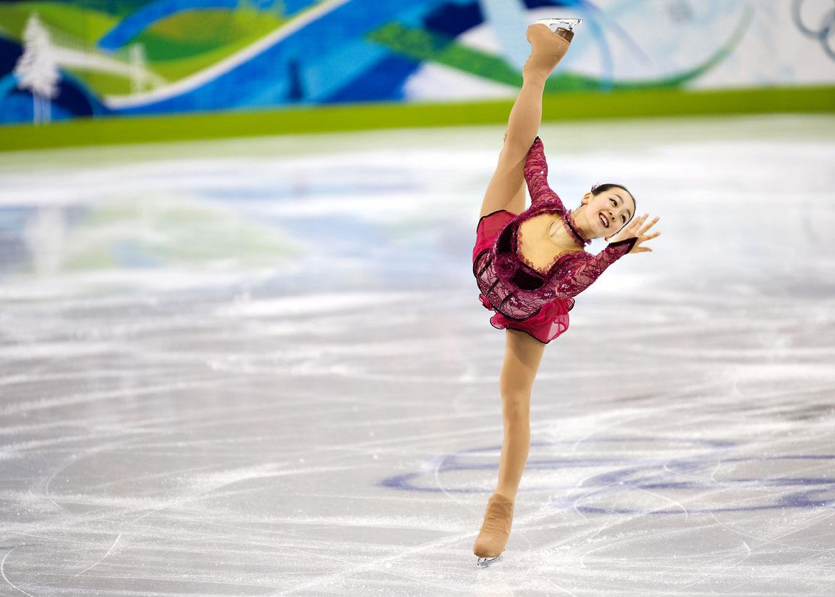 Mao-Asada-Vancouver-Olympics-World-Championships-2010-Kerrigan-Spiral-BestQuality06.jpg