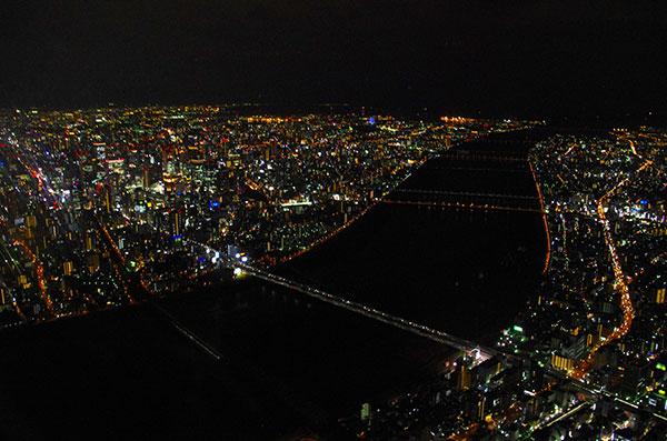 淀川と大阪の夜景