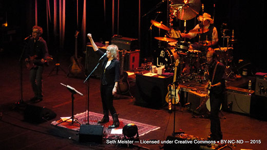 LucindaWilliams2015-07-24VernonAndDistrictPerformingArtsCentreCanada20(14).jpg