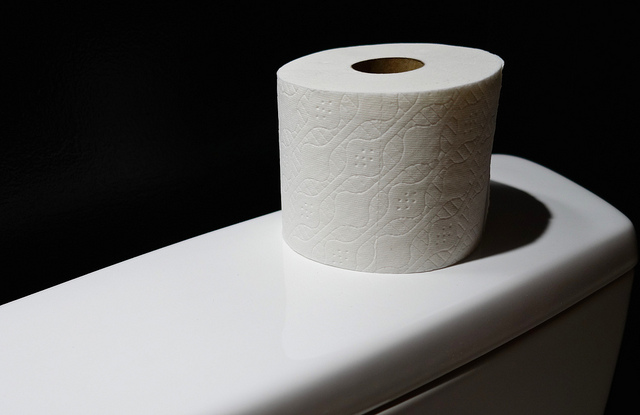 トイレットペーパーのシングルとダブルってどっちが得なの?