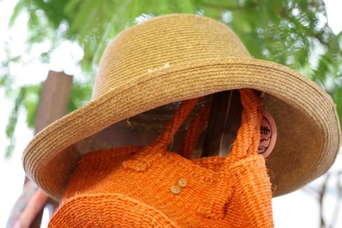IMG_0002 帽子とカバン