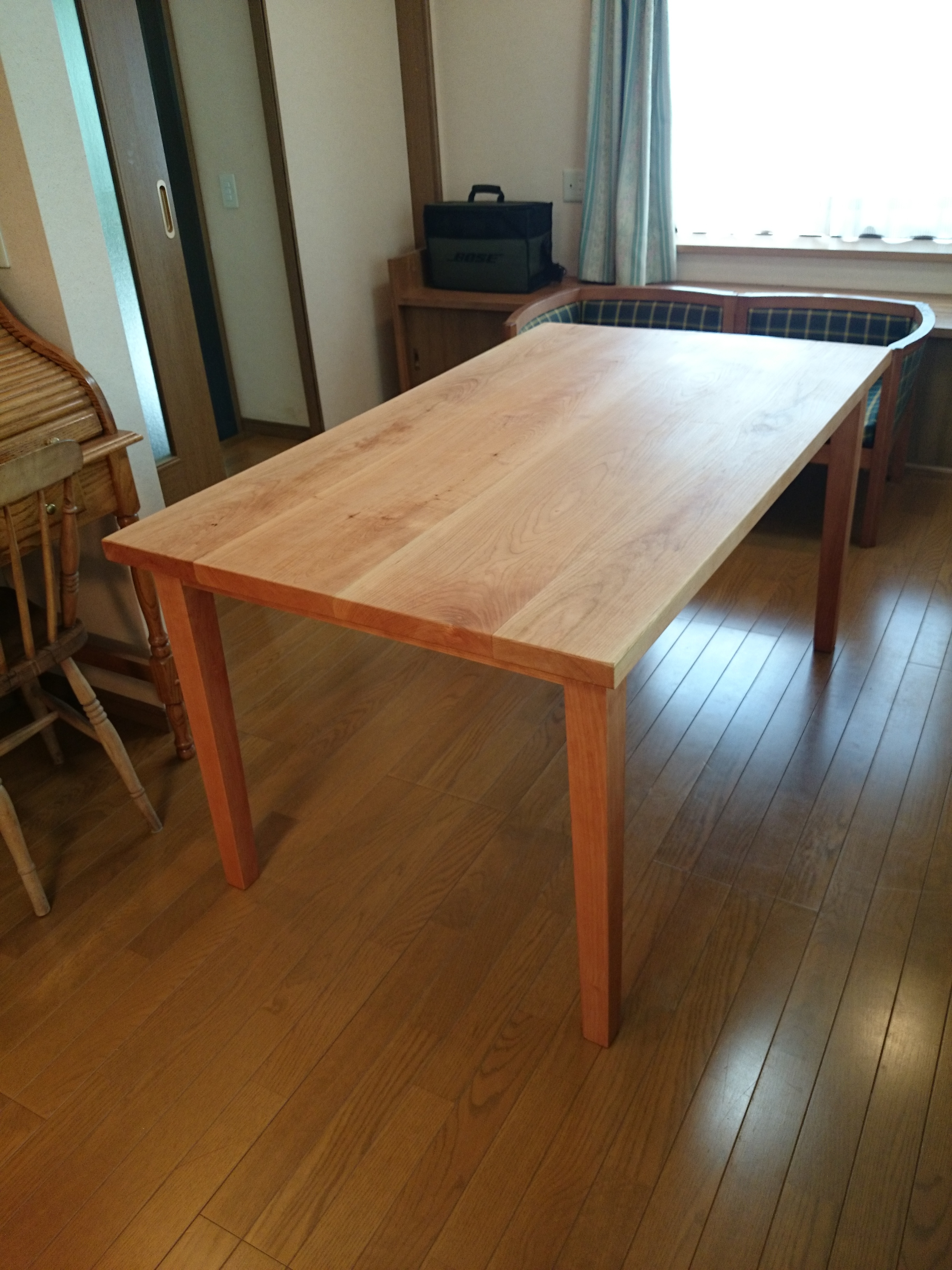 小林康文の無垢材テーブル