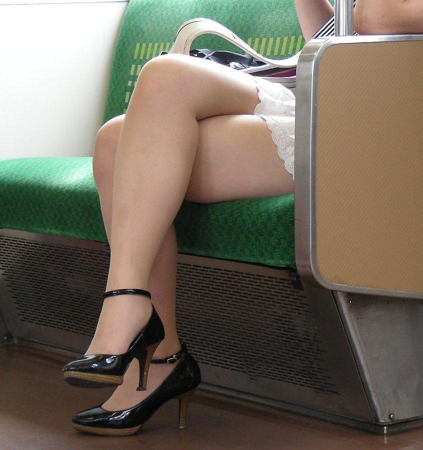 電車パンチラ&エロ脚三昧~7