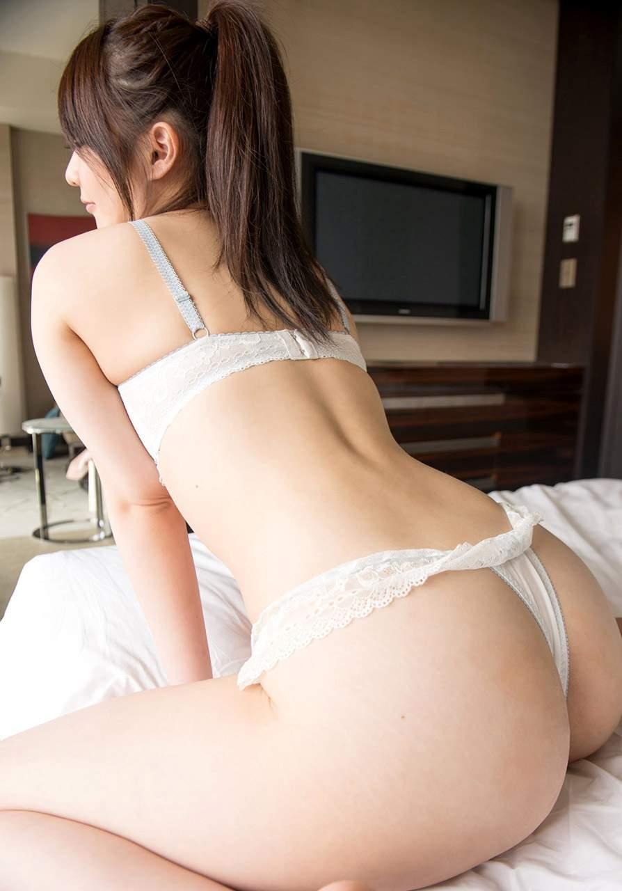 下着な女9