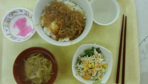 食堂の朝食