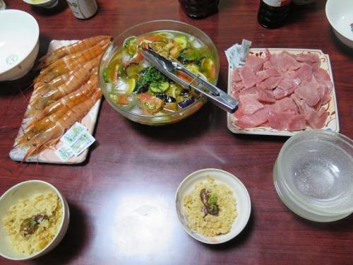 牡蠣飯、赤エビ、マグロの刺身