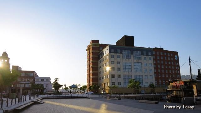 門司港ホテルと旧大阪商船ビル 夕景
