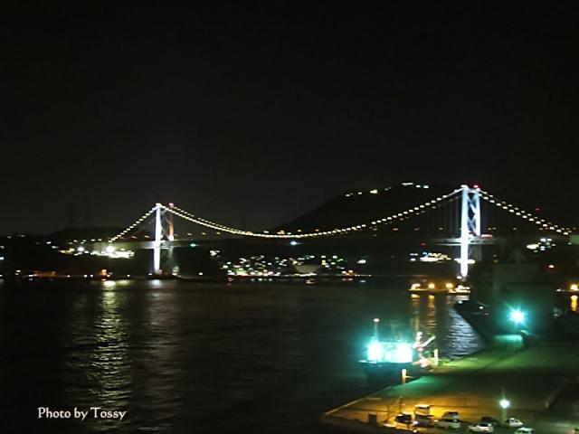 ライトアップされた関門橋