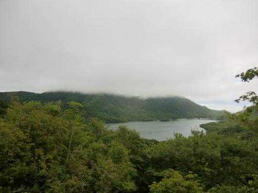 出張山から、黒檜山は雲の中
