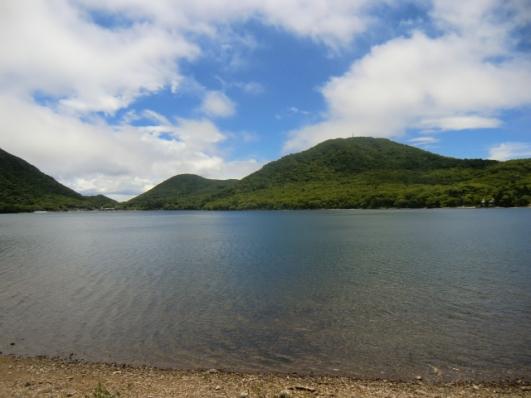 湖畔から地蔵岳