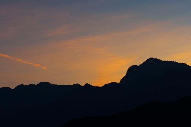 甲斐駒ヶ岳と夕陽-01