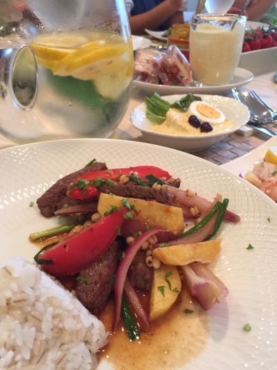 201579ペルー料理テーブル
