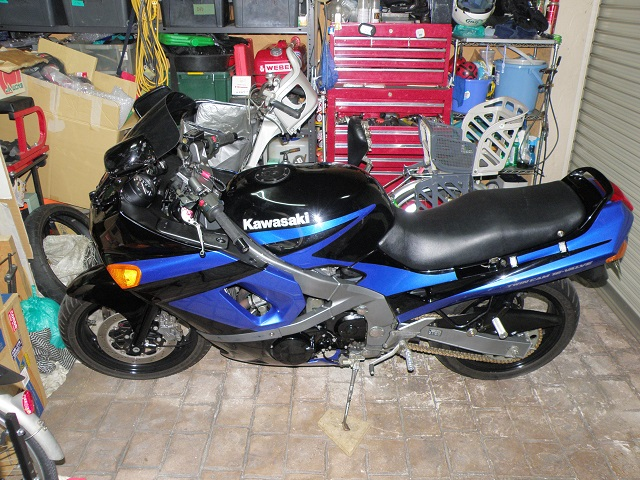 ZZR400658.jpg