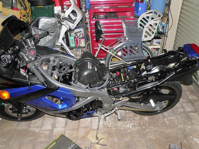 ZZR400659.jpg