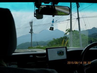タクシー車内より甲武信岳
