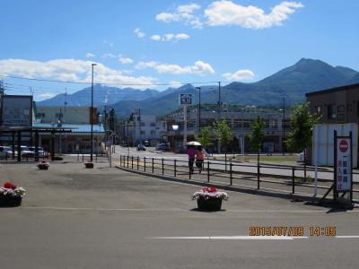 富良野駅から芦別岳(左)_1