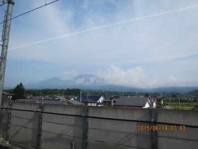 北陸新幹線内より浅間山