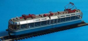 ガラス電車01-ed01