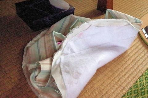 円形猫ベッド試作の風景