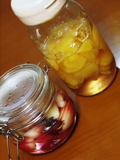 自家製生姜の甘酢漬け・茗荷の甘酢漬け