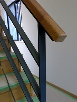 紅陽館階段手すり木1501