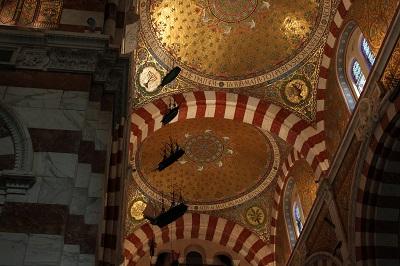 天井画船とメノーラ