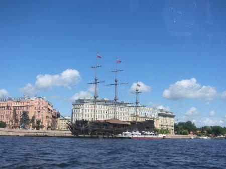 ペテルゴフ高速船5