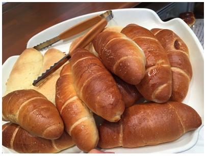 塩パンと塩メロンパン