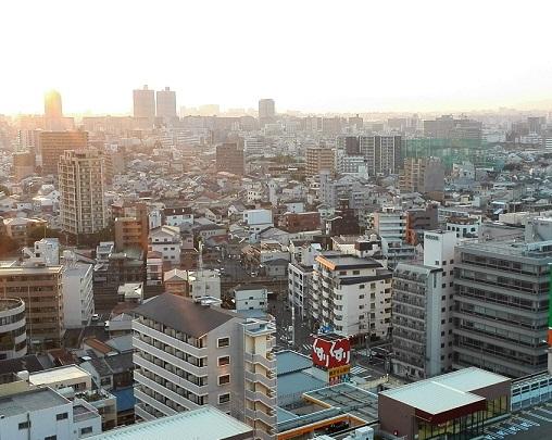 6 夕暮れの大阪市内