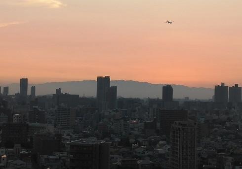 7 夕暮れの大阪市内