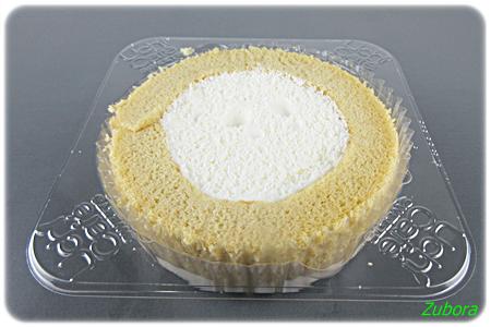 ローソンの「スプーンで食べるプレミアムブランのロールケーキ」
