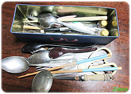 食器棚3つめと4つめの引き出しを断捨離