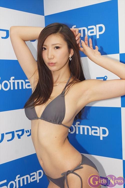 松嶋えいみFカップ巨乳おっぱい画像2b08