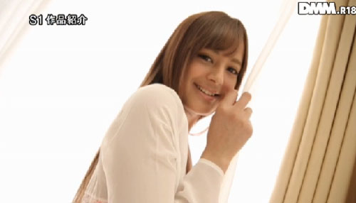 長谷川モニカ微乳おっぱい画像2a01