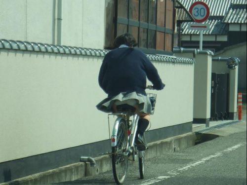 【三次画像あり】 JK自転車パンチラ女子高生集めたから貼ってくよ~♪ 54枚 part.14 No.1