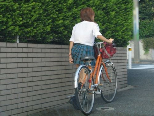 【三次画像あり】 JK自転車パンチラ女子高生集めたから貼ってくよ~♪ 54枚 part.14 No.8