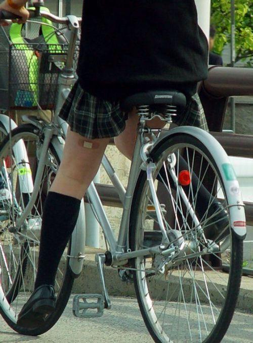 【三次画像あり】 JK自転車パンチラ女子高生集めたから貼ってくよ~♪ 54枚 part.14 No.16