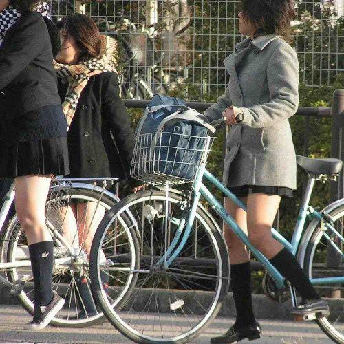 【三次画像あり】 JK自転車パンチラ女子高生集めたから貼ってくよ~♪ 54枚 part.14 No.18