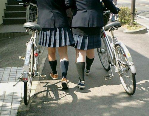 【三次画像あり】 JKがミニスカで自転車に乗ってる姿を後ろから眺めるの幸せすぎ♪ 56枚 part.13 No.17